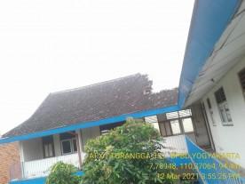 Atap Sekolah SD Kanisius Kotabaru Ambrol